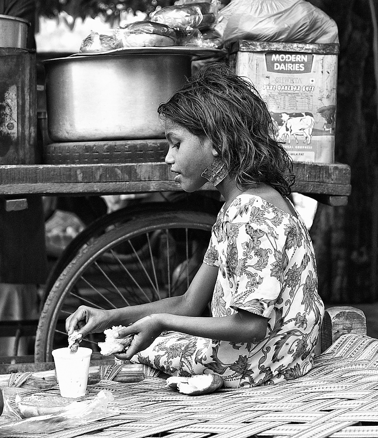 Breakfast Indian Style Delhi | LEICA SUMMICRON 28MM F2 ASPH <br> Click image for more details, Click <b>X</b> on top right of image to close